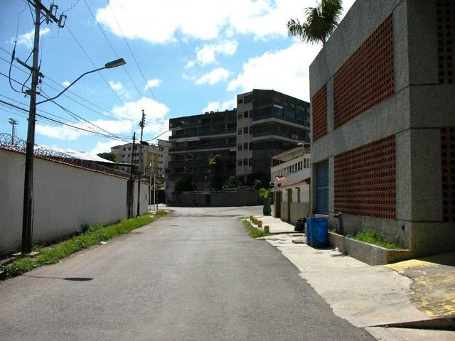 Apartamento Miranda>Higuerote>Carenero - Venta:5.077.000.000 Bolivares Fuertes - codigo: 15-16631