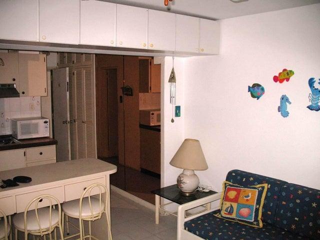 Apartamento Miranda>Higuerote>Carenero - Venta:13.866.000.000  - codigo: 15-16631