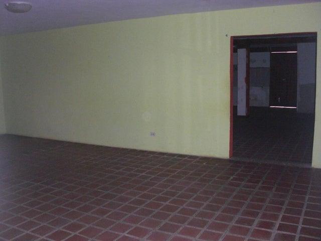 Local Comercial Falcon>Coro>Centro - Venta:8.000 Precio Referencial - codigo: 15-16636