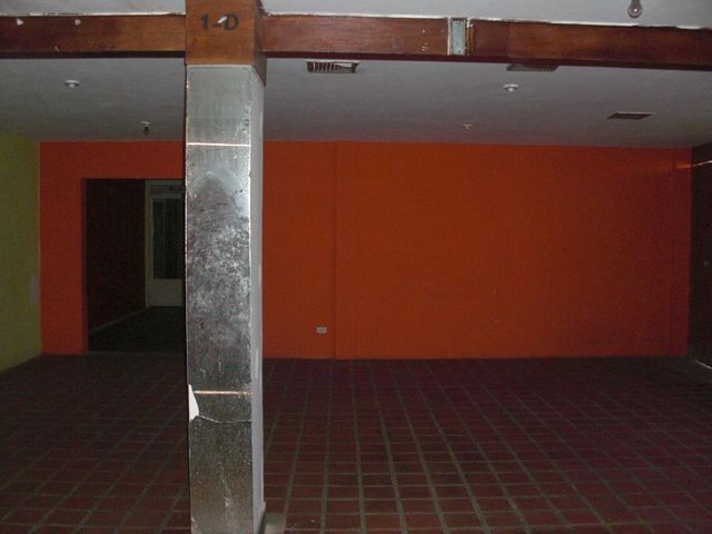 Local Comercial Falcon>Coro>Centro - Venta:436 Precio Referencial - codigo: 15-16638