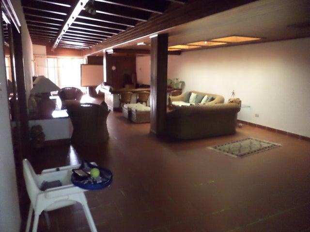 Casa Zulia>Maracaibo>Cantaclaro - Venta:16.153.000.000 Bolivares - codigo: 15-16704