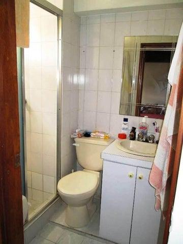 Apartamento Distrito Metropolitano>Caracas>Terrazas del Avila - Venta:22.632.000.000 Bolivares Fuertes - codigo: 16-79