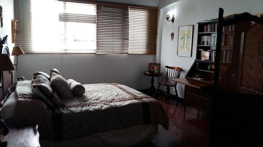 Casa Distrito Metropolitano>Caracas>Santa Paula - Venta:78.278.000.000 Bolivares - codigo: 16-131