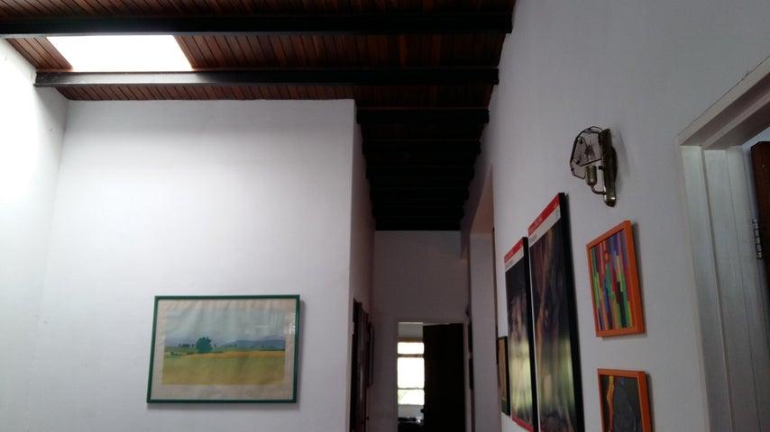 Casa Distrito Metropolitano>Caracas>Santa Paula - Venta:207.647.000.000 Precio Referencial - codigo: 16-131