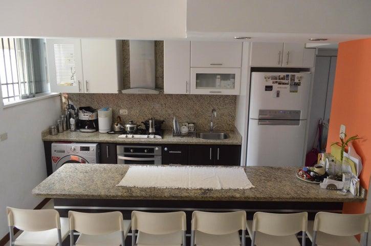 Apartamento Distrito Metropolitano>Caracas>Los Palos Grandes - Venta:16.919.000.000 Bolivares Fuertes - codigo: 16-186