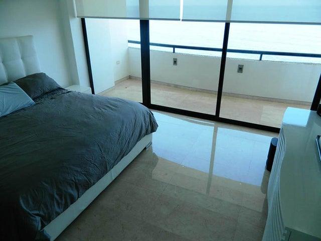 Apartamento Vargas>Parroquia Caraballeda>Camuri Chico - Venta:51.701.000.000 Bolivares Fuertes - codigo: 16-246