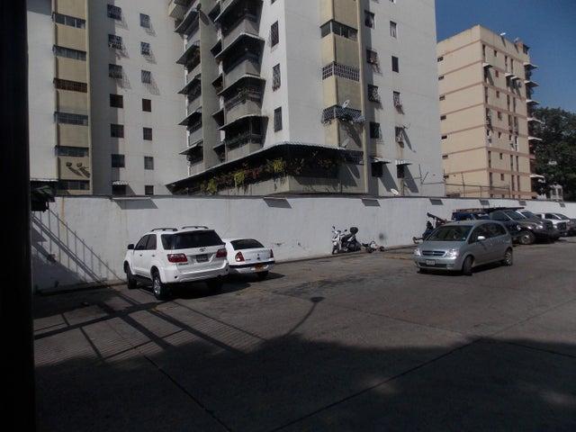 Apartamento Distrito Metropolitano>Caracas>El Paraiso - Venta:17.307.000.000 Bolivares Fuertes - codigo: 16-2405