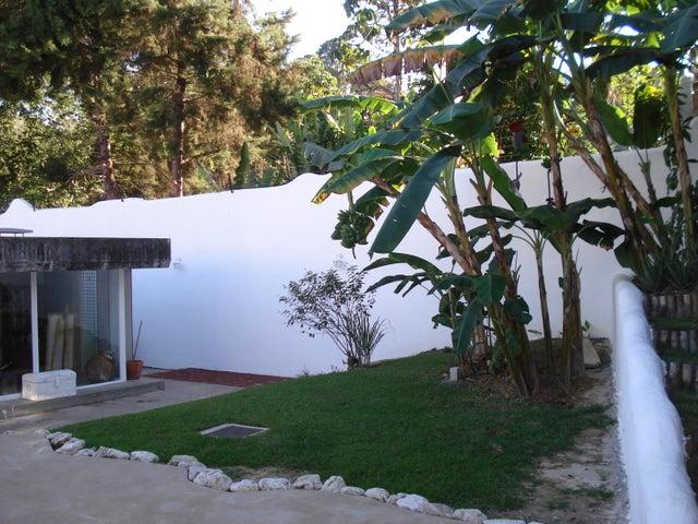 Casa Distrito Metropolitano>Caracas>Las Marias - Venta:33.838.000.000 Bolivares - codigo: 16-441