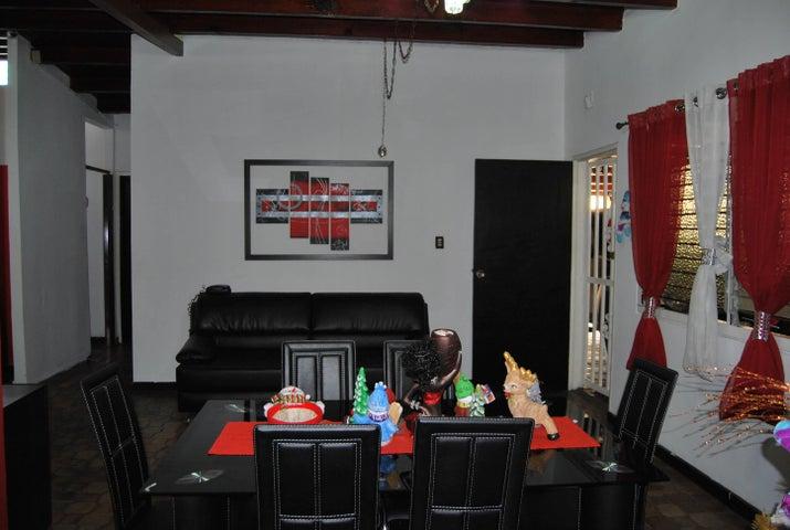Casa Carabobo>Municipio Naguanagua>El Naranjal - Venta:75.000.000 Bolivares - codigo: 16-366
