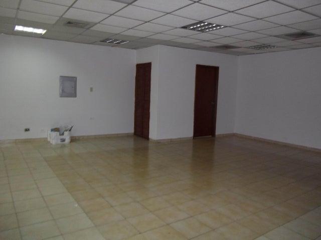 Local Comercial Zulia>Maracaibo>Circunvalacion Dos - Alquiler:40.000 Bolivares - codigo: 16-414