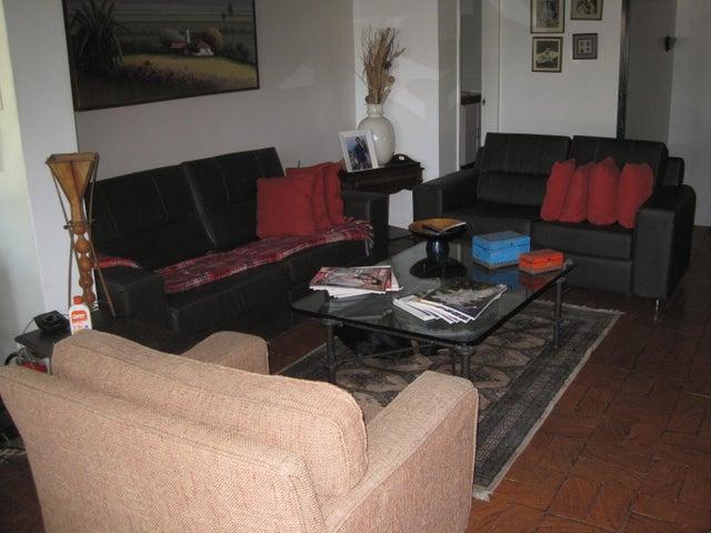 Casa Distrito Metropolitano>Caracas>Lomas de Chuao - Venta:350.000 Precio Referencial - codigo: 16-415