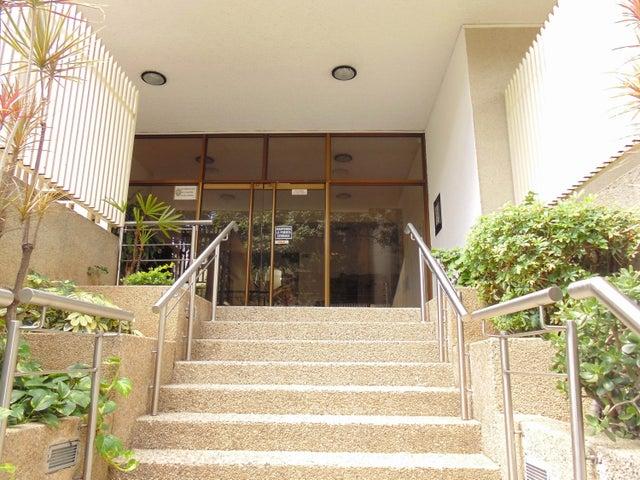 Apartamento Distrito Metropolitano>Caracas>La Urbina - Venta:21.923.000.000 Bolivares Fuertes - codigo: 16-445