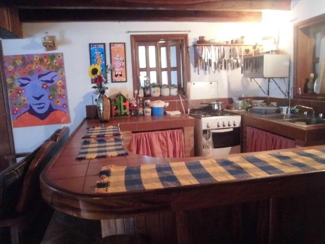 Casa Aragua>La Colonia Tovar>La Colonia Tovar - Venta:2.000.000 Precio Referencial - codigo: 16-448