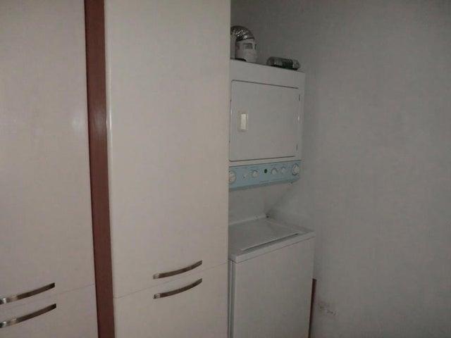 Apartamento Distrito Metropolitano>Caracas>Altamira - Venta:135.114.000.000 Precio Referencial - codigo: 16-617