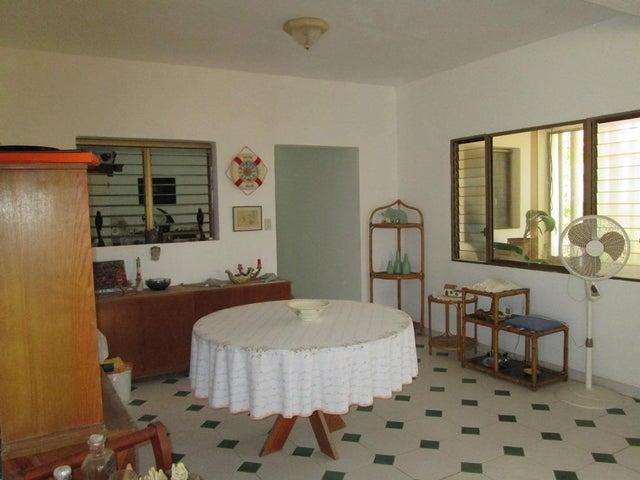Casa Miranda>Rio Chico>Puerto Tuy - Venta:5.003.000 Precio Referencial - codigo: 16-630