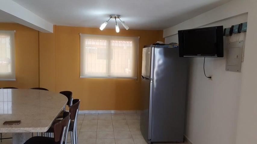 Apartamento Falcon>Chichiriviche>Flamingo - Venta:750.000.000 Bolivares Fuertes - codigo: 16-676