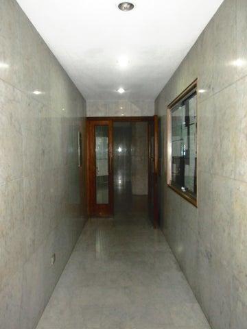Apartamento Distrito Metropolitano>Caracas>La Urbina - Venta:27.158.000.000 Bolivares Fuertes - codigo: 16-718
