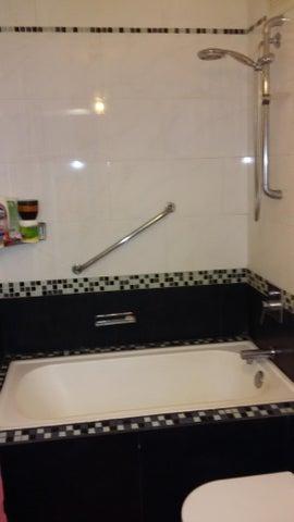 Apartamento Distrito Metropolitano>Caracas>Los Naranjos Humboldt - Venta:59.000 Precio Referencial - codigo: 16-720
