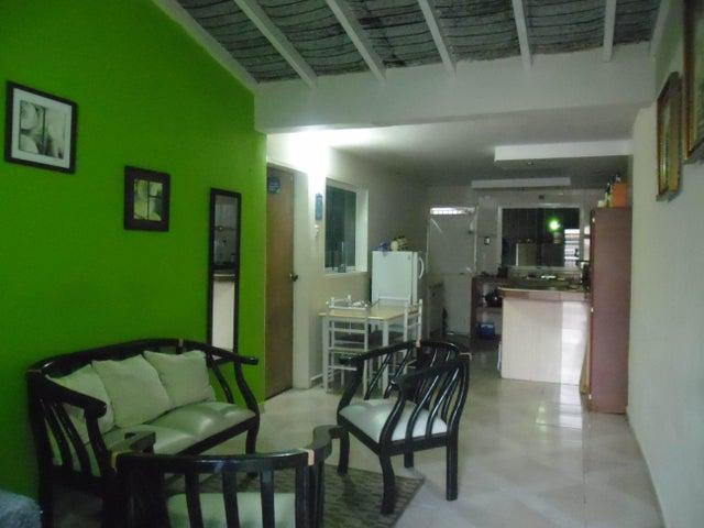Casa Carabobo>San Joaquin>Villas del Centro - Venta:65.000.000 Bolivares Fuertes - codigo: 16-826