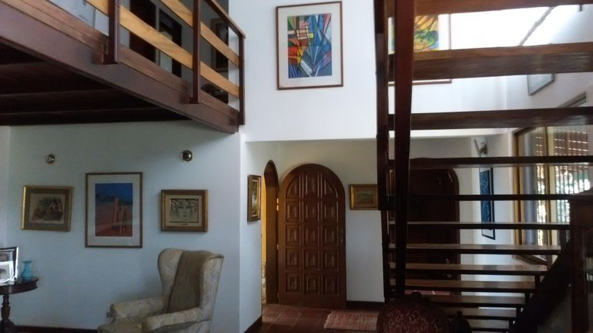Casa Distrito Metropolitano>Caracas>Caicaguana - Venta:54.965.000.000 Precio Referencial - codigo: 16-852