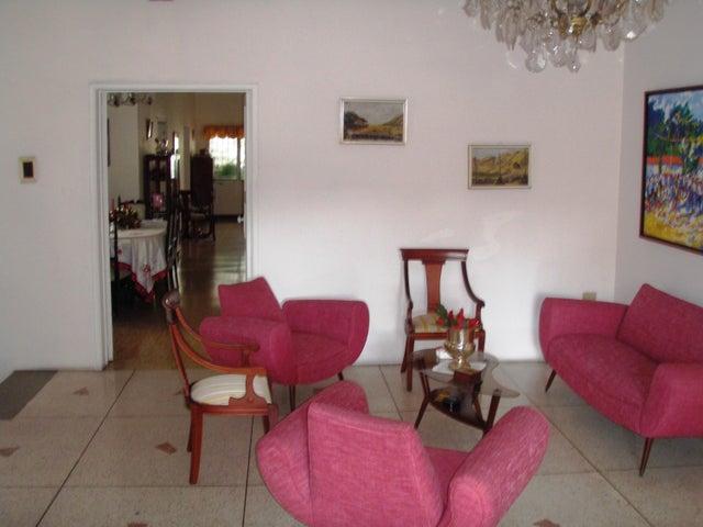Local Comercial Distrito Metropolitano>Caracas>San Bernardino - Venta:111.819.000.000 Precio Referencial - codigo: 16-989