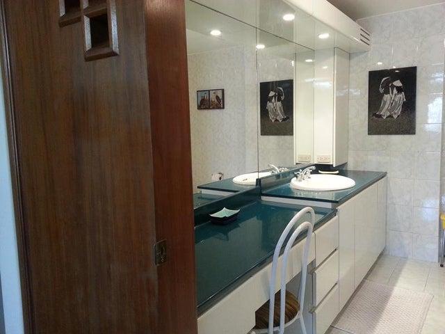 Apartamento Distrito Metropolitano>Caracas>San Bernardino - Venta:153.245.000.000 Precio Referencial - codigo: 16-3835