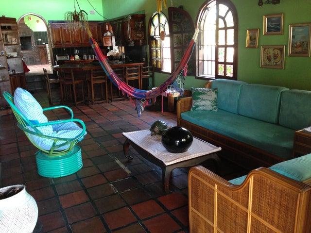 Casa Nueva Esparta>Margarita>Los Robles - Venta:8.600.000.000 Bolivares - codigo: 16-1216