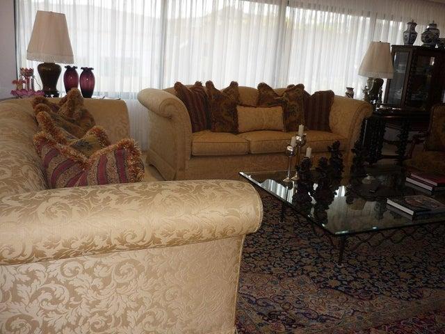 Apartamento Distrito Metropolitano>Caracas>Las Mercedes - Venta:181.054.000.000 Bolivares Fuertes - codigo: 14-8591