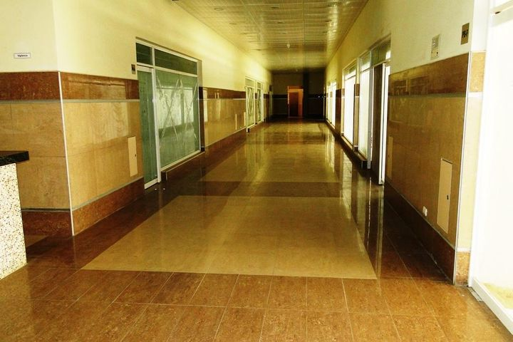Oficina Distrito Metropolitano>Caracas>Lomas del Sol - Venta:98.126.000.000 Precio Referencial - codigo: 16-1595