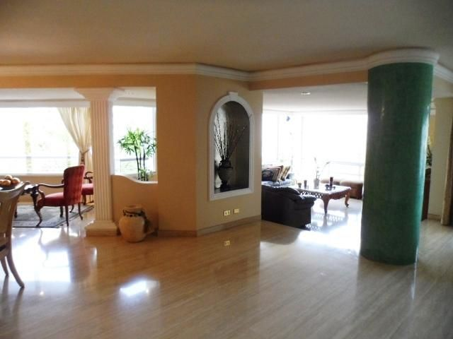 Apartamento Distrito Metropolitano>Caracas>Colinas de Valle Arriba - Venta:458.044.000.000 Precio Referencial - codigo: 16-1667
