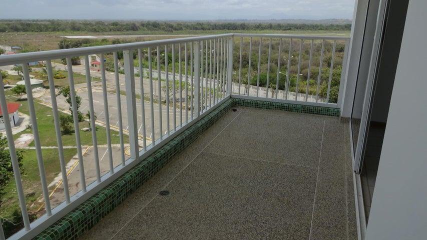 Apartamento Miranda>Higuerote>Agua Sal - Venta:6.982.000.000 Bolivares Fuertes - codigo: 16-1684