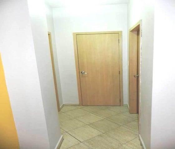 Apartamento Carabobo>Valencia>Valle Blanco - Venta:11.636.000.000 Bolivares Fuertes - codigo: 16-1725