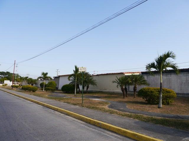 Casa Lara>Barquisimeto>Villas de Yara - Venta:8.377.000.000 Precio Referencial - codigo: 16-1719