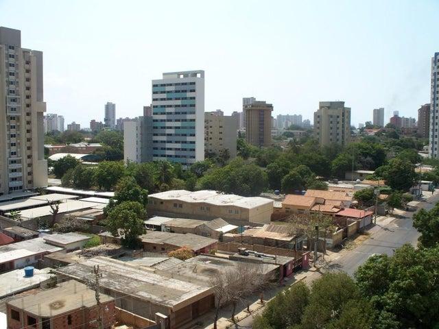 Apartamento Zulia>Maracaibo>La Lago - Venta:80.000.000 Bolivares Fuertes - codigo: 16-1732