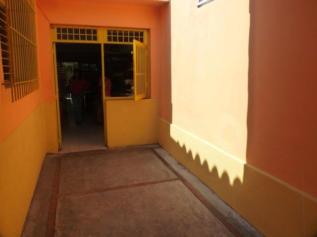 Local Comercial Distrito Metropolitano>Caracas>Mariperez - Venta:70.000 Precio Referencial - codigo: 16-1740