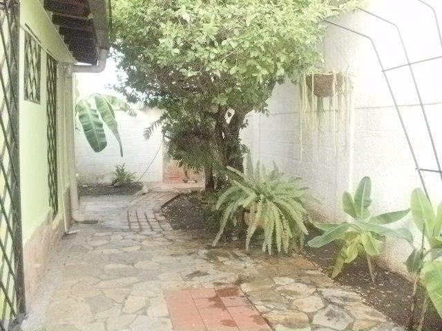 Casa Lara>Barquisimeto>El Parral - Venta:2.000.000.000 Bolivares - codigo: 16-1851