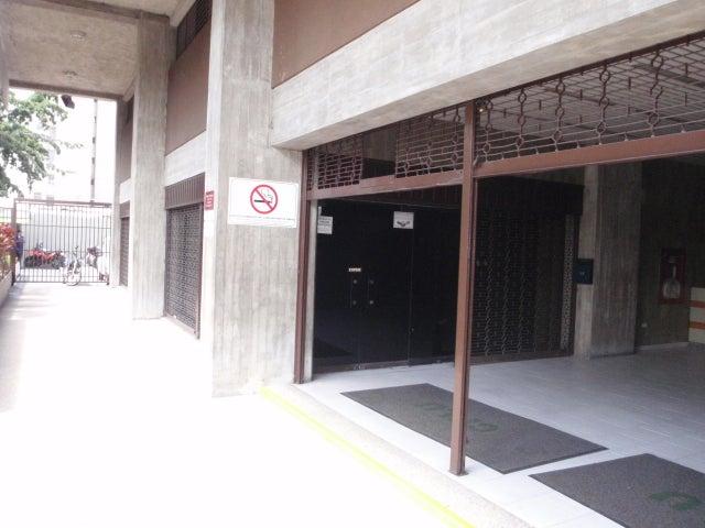 Local Comercial Distrito Metropolitano>Caracas>La Urbina - Alquiler:381.000.000 Precio Referencial - codigo: 16-1856