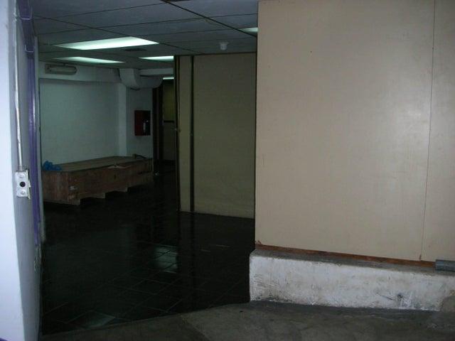 Local Comercial Distrito Metropolitano>Caracas>Sabana Grande - Venta:352.504.000.000 Bolivares - codigo: 16-1858