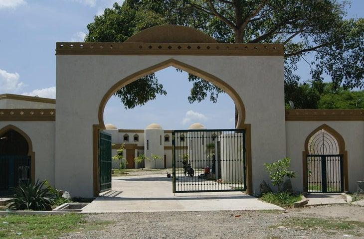 Townhouse Miranda>Higuerote>Higuerote - Venta:50.839.000.000 Precio Referencial - codigo: 16-1867