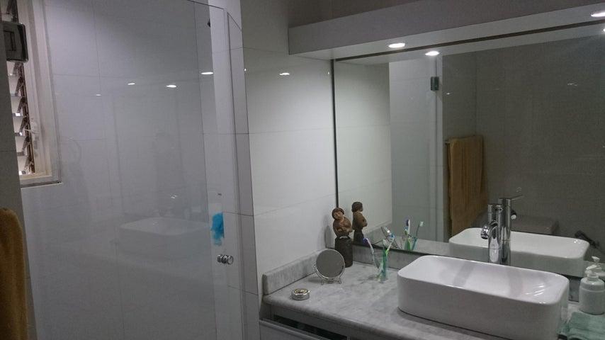 Apartamento Distrito Metropolitano>Caracas>La Castellana - Alquiler:2.500.000 Bolivares Fuertes - codigo: 16-2014