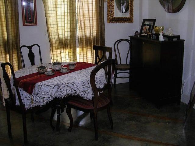 Casa Distrito Metropolitano>Caracas>El Hatillo - Venta:57.691.000.000 Bolivares - codigo: 16-2174