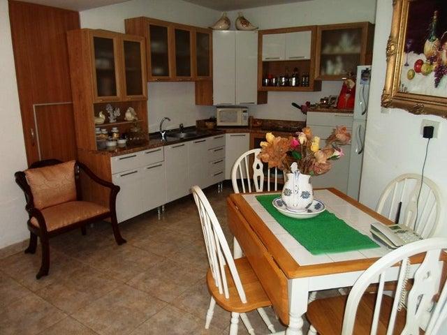 Apartamento Nueva Esparta>Margarita>Los Robles - Venta:55.909.000.000 Precio Referencial - codigo: 16-2197
