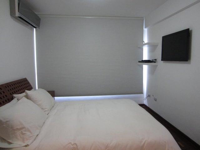 Apartamento Distrito Metropolitano>Caracas>Colinas de Bello Monte - Venta:44.218.000.000 Bolivares Fuertes - codigo: 16-2249