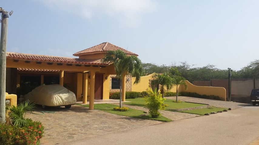 Casa Nueva Esparta>Margarita>Sector Agua de Vaca - Venta:260.910.000.000 Precio Referencial - codigo: 16-2283