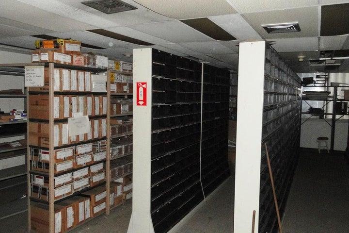 Oficina Distrito Metropolitano>Caracas>El Rosal - Venta:5.505.827.000.000 Precio Referencial - codigo: 16-2389