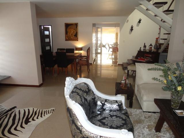 Casa Distrito Metropolitano>Caracas>Colinas de Los Ruices - Venta:550.000 Precio Referencial - codigo: 16-2465