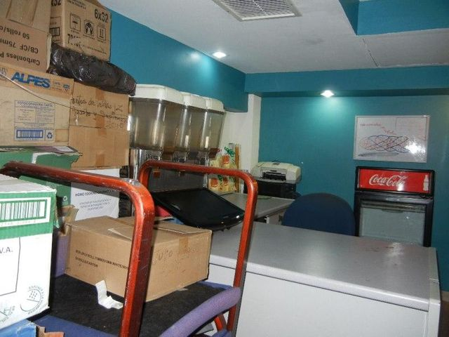 Local Comercial Distrito Metropolitano>Caracas>La Castellana - Venta:16.153.000.000 Bolivares - codigo: 16-2492