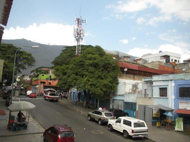 Local Comercial Distrito Metropolitano>Caracas>Guaicaipuro - Venta:42.300.000.000 Bolivares - codigo: 16-2771