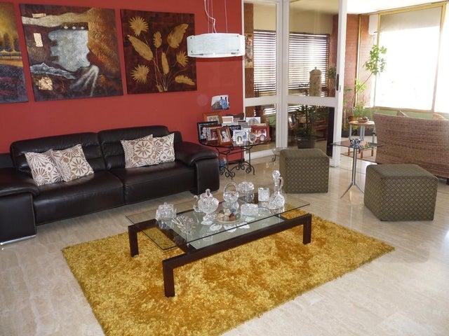 Apartamento Distrito Metropolitano>Caracas>San Roman - Venta:98.701.000.000 Bolivares Fuertes - codigo: 16-2548