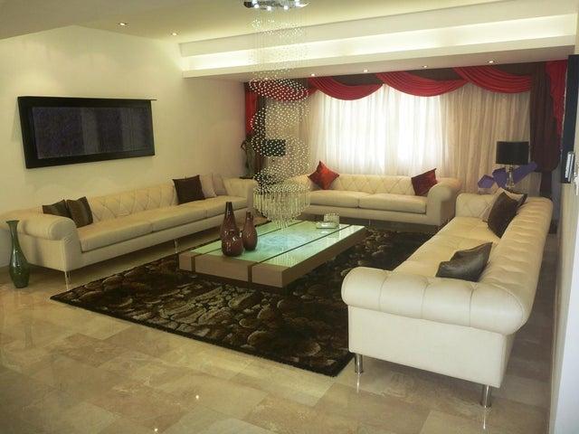 Casa Distrito Metropolitano>Caracas>Terrazas del Club Hipico - Venta:470.006.000.000 Bolivares - codigo: 16-2577